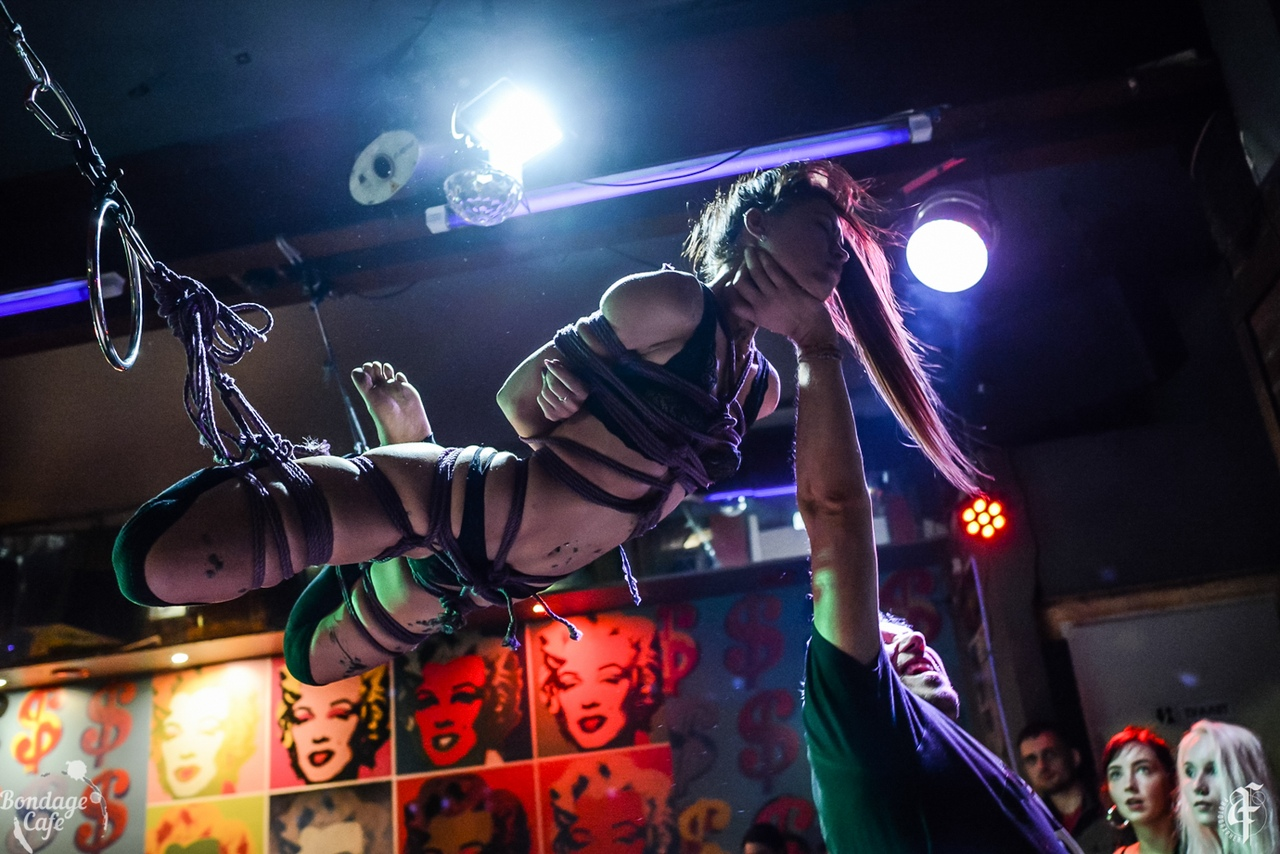 Shibari perfomance at Bondage Cafe SPb. Model: Denjamy Djovanny. Bondage: Mosafir. Photo: Anastasiya Filippova